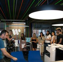 SAE Madrid Los estudiantes de Industria Musical visitaron Warner Music Spain